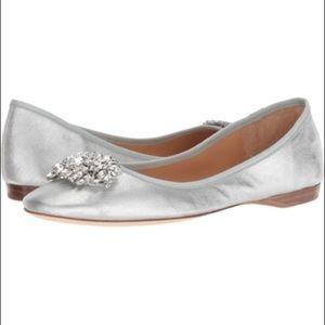 NIB Badgley Mischka Pippa flat silver jeweled 8.5